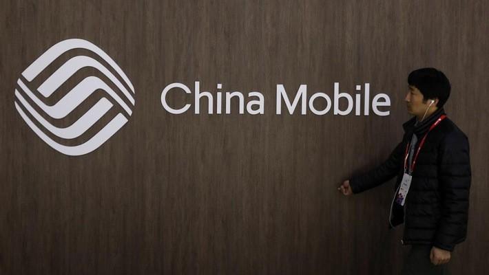 China Mobile là nhà mạng di động lớn nhất thế giới, với khoảng 899 triệu thuê bao - Ảnh: Reuters.