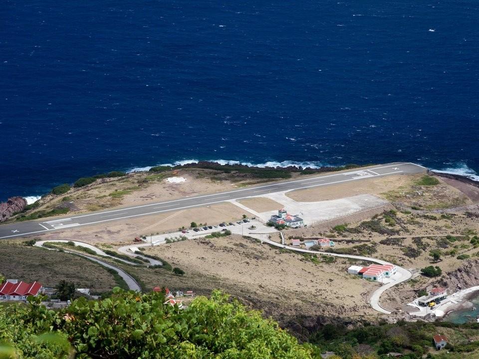 Những đường băng sân bay đáng sợ nhất trên thế giới - ảnh 5