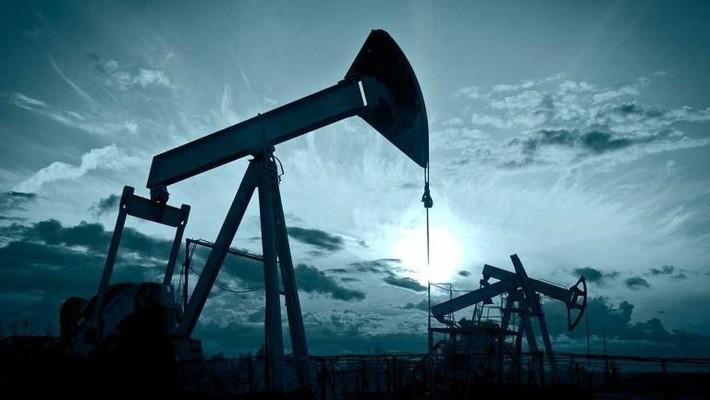 Giá dầu thế giới đã trải qua nhiều biến động lớn trong 1 thập kỷ qua.