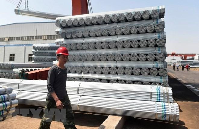 Sản phẩm ống thép tại một nhà máy ở Sơn Đông, Trung Quốc. (Nguồn: AFP/TTXVN)