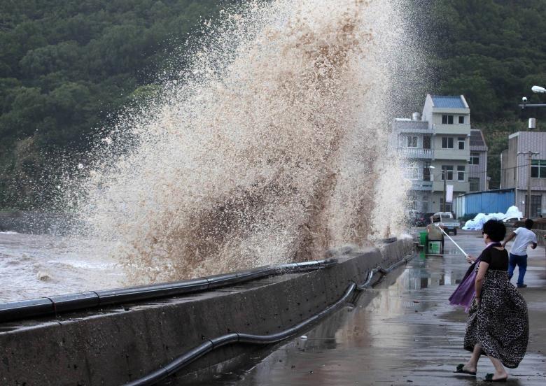 Hình ảnh tan hoang sau khi siêu bão Maria đổ bộ Trung Quốc - ảnh 4