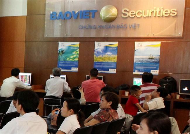Một số nhân viên Công ty Chứng khoán Bảo Việt đã không kiểm tra, đối chiếu thông tin khách hàng theo đúng quy trình để Trần Minh Anh rút 3,4 tỷ đồng từ tài khoản của bà Bùi Thị Minh