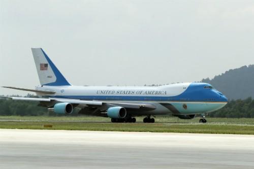 Chuyên cơ Air Force One chở ôngDonald Trump đến Đà Nẵng để tham dự APEC 2017.Ảnh: Đức Đồng