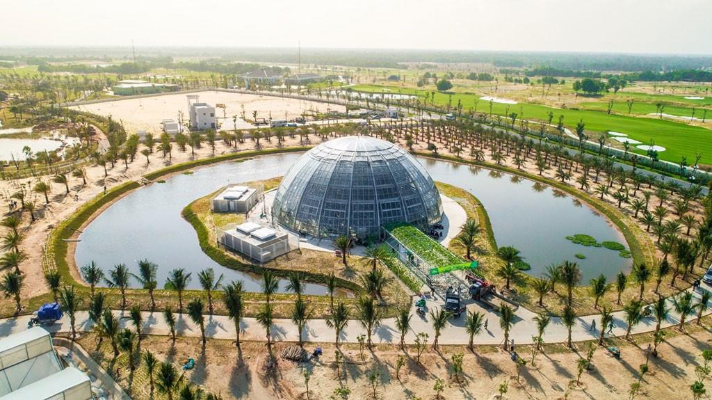 Nhà kính với diện tích trên 1.000 m2 mang đến môi trường ưu việt cho sự phát triển của cây trồng