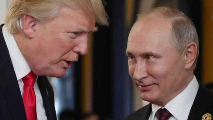 Tổng thống Mỹ Donald Trump (trái) va Tổng thống Nga Vladimir Putin - Ảnh: Getty/CNBC.