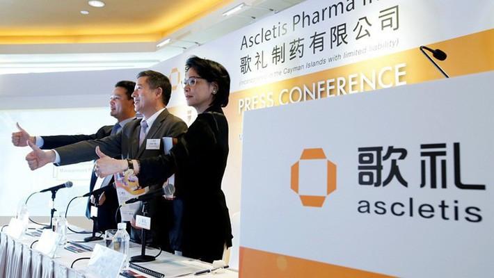 Các nhà lãnh đạo của công ty dược Ascletis tại một cuộc họp báo - Ảnh: Caixin.
