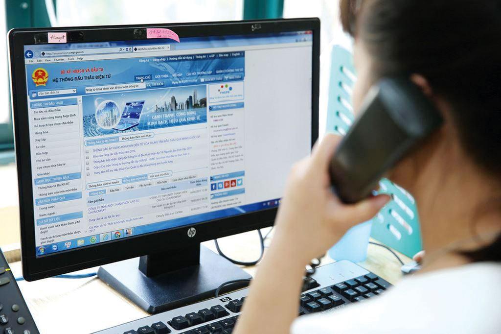 Hệ thống mạng đấu thầu quốc gia mang lại nhiều cơ hội cho doanh nghiệp tham gia các dự án mua sắm công. Ảnh: Lê Tiên