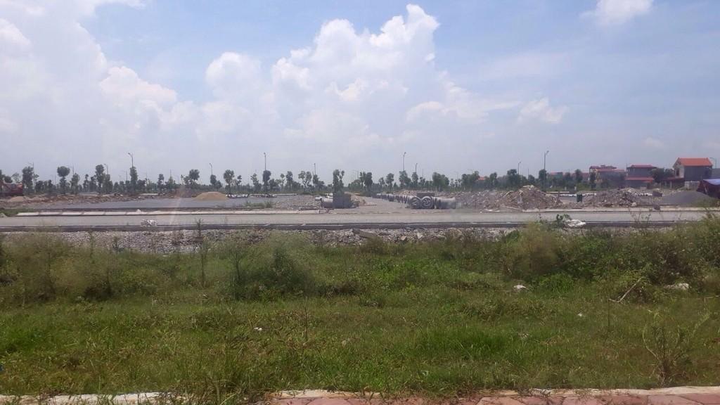 Gói thầu Xây dựng hạ tầng kỹ thuật khu đất hỗ trợ 7% phục vụ giải phóng mặt bằng Bệnh viện Bạch Mai – cơ sở 2 bị người dân tố cáo. Ảnh: Trần Nam