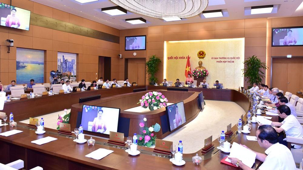 Chủ tịch Quốc hội Nguyễn Thị Kim Ngân chủ trì phiên họp thứ 26 của Ủy ban Thường vụ Quốc hội. Ảnh: Vũ Quang Khánh