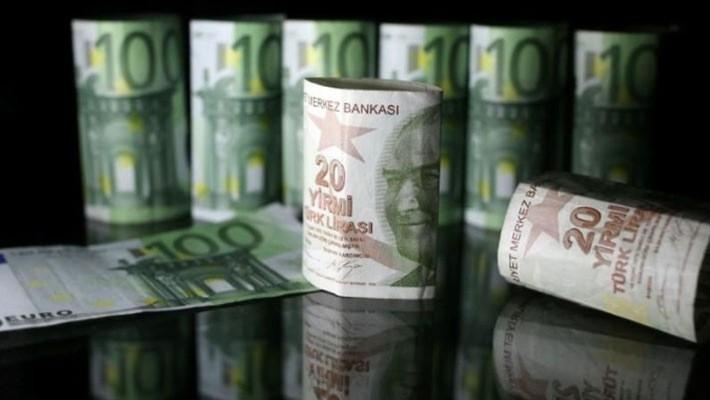 Đồng Lira sụt giá đang gây sức ép lên đồng Euro - Ảnh: Reuters.