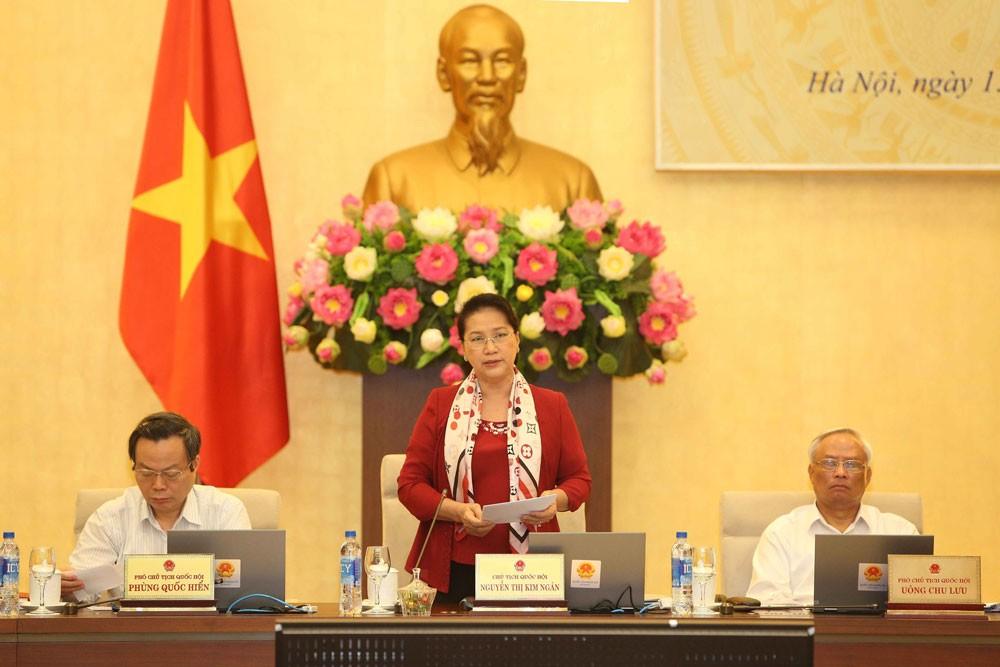Chủ tịch Quốc hội Nguyễn Thị Kim Ngân phát biểu bế mạc Phiên họp thứ 26 của Ủy ban Thường vụ Quốc hội. Ảnh: TTXVN