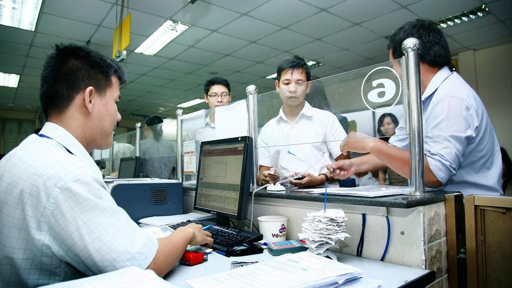 Nhờ ứng dụng dịch vụ công trực tuyến, nhóm thủ tục thuế, khởi sự kinh doanh và hải quan có mức chi phí tuân thủ thấp nhất. Ảnh: Lê Tiên