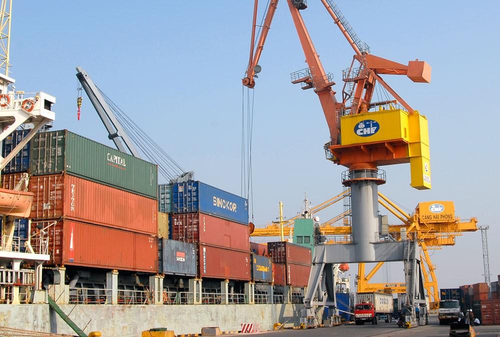 Tổng trị giá xuất khẩu trong kỳ 1 tháng 8 vừa qua đạt 9,73 tỷ USD, giảm 17,6% so với nửa cuối tháng 7/2018. Ảnh: Nhã Chi