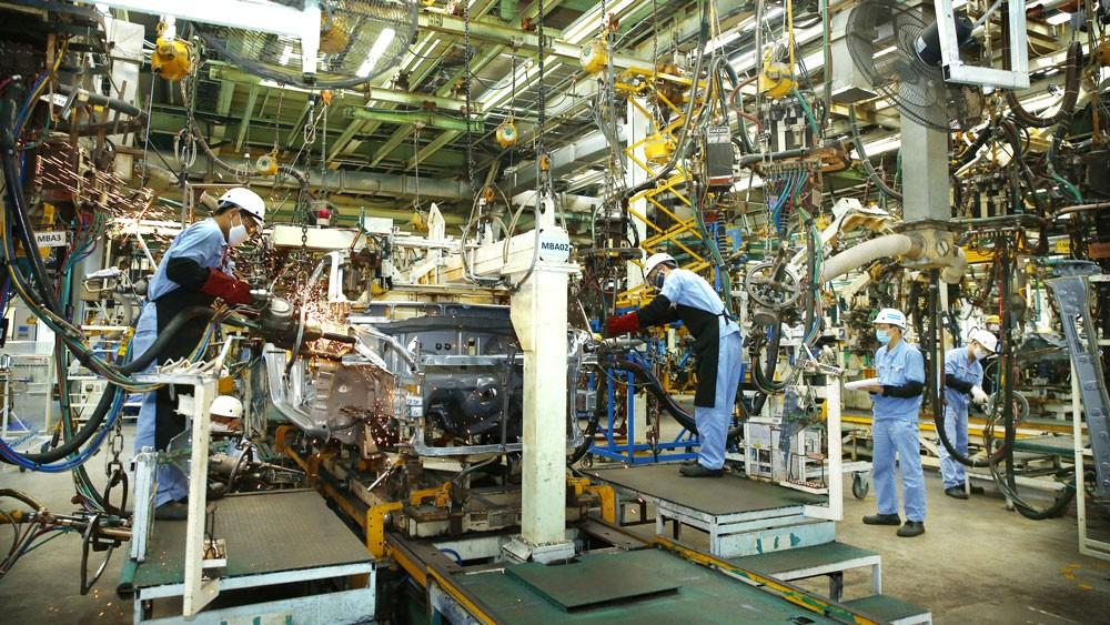 Cách mạng công nghiệp lần thứ tư sẽ mang đến cho các nền kinh tế, trong đó có Việt Nam, cơ hội bứt phá nhảy vọt. Ảnh: Lê Tiên