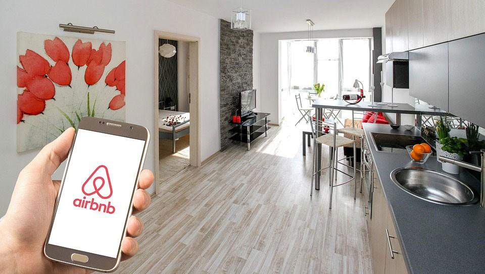 Không đầu tư vào bất động sản, nhưng Airbnb sở hữu một hệ thống đặt phòng có 300 triệu người dùng ở 191 quốc gia