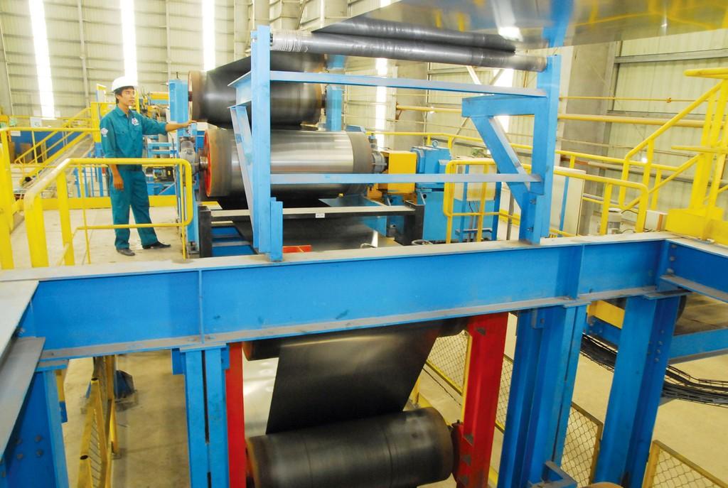 Về thiết bị toàn bộ, hiện các nhà thầu trong nước có thể làm tổng thầu EPC và nội địa hóa được 35 - 50% thiết bị cho các nhà máy công nghiệp. Ảnh: Tiên Giang