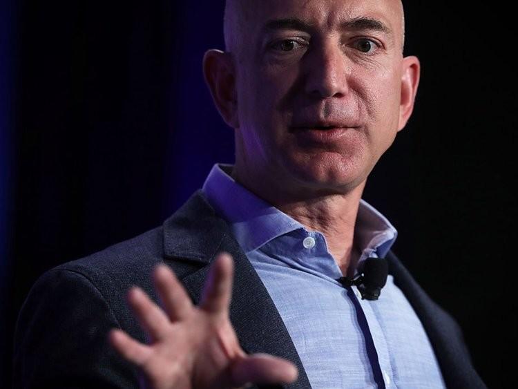 Cuộc sống thường ngày của người giàu có nhất hành tinh Jeff Bezos - ảnh 1