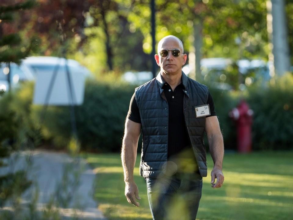 Cuộc sống thường ngày của người giàu có nhất hành tinh Jeff Bezos - ảnh 10