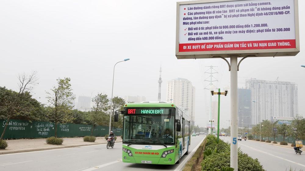 Tuyến BRT có tổng mức đầu tư 53,6 triệu USD, trong đó chi phí xây dựng 20,7 triệu USD, thiết bị hơn 24 triệu USD… Ảnh: Lê Tiên