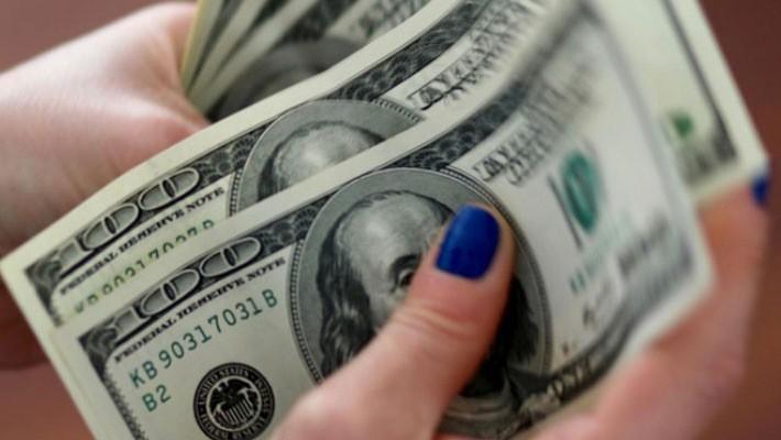 Mấy tháng qua, đồng USD trở thành đối tượng hưởng lợi chính của mối quan hệ thương mại sóng gió giữa Mỹ và Trung Quốc - Ảnh: Reuters.