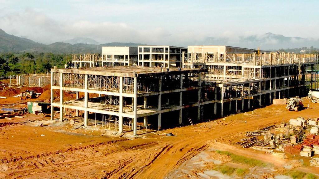 Thanh tra phát hiện có 2 gói thầu thuộc Dự án Đầu tư xây dựng công trình Bệnh viện II Lâm Đồng được nghiệm thu, thanh toán chưa đúng với thực tế thi công. Ảnh: Đoàn Kiên
