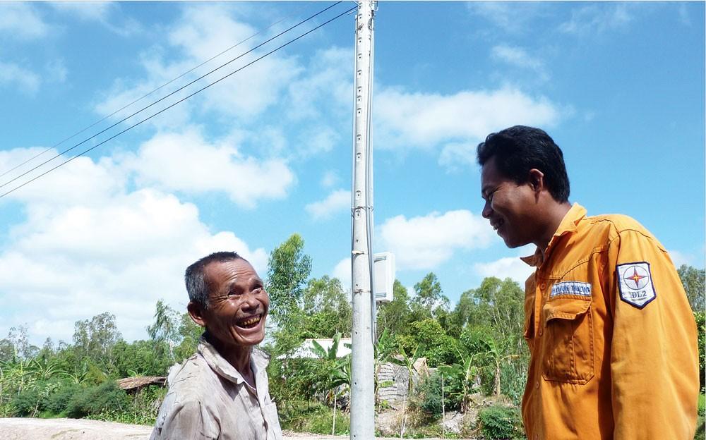 Tổng công ty Điện lực miền Nam: Điểm sáng trong xây dựng nông thôn mới - ảnh 1