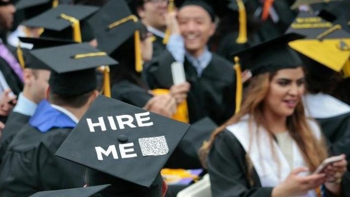 Các dữ liệu thống kê cho thấy thị trường việc làm Mỹ tiếp tục thắt chặt, với tốc độ tuyển dụng vượt tốc độ tăng trưởng của lực lượng lao động, thậm chí có thể đẩy nền kinh tế vào tình trạng thiếu lao động.