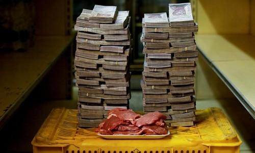 Những thực phẩm đắt đỏ như thịt có giá tới 9,5 triệu bolivar mỗi kg. Ảnh:Reuters