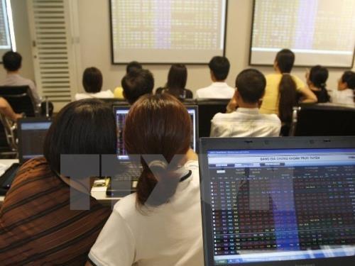 Chứng khoán Việt gần như đi ngang trong phiên ngày 9/10. Ảnh: TTXVN