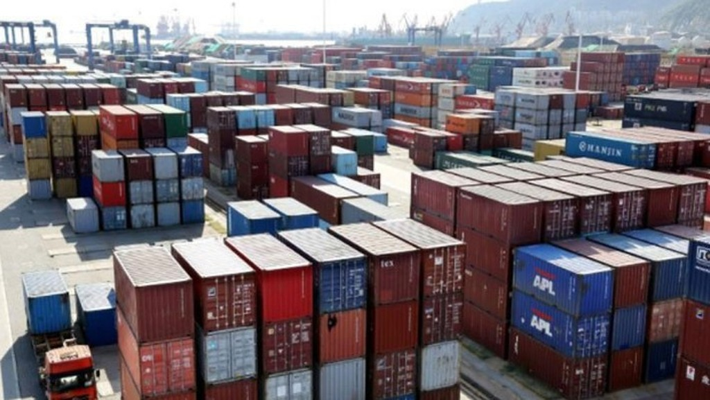 Những container hàng hóa tại một cảng biển ở Giang Tô, Trung Quốc, tháng 9/2018 - Ảnh: Reuters.
