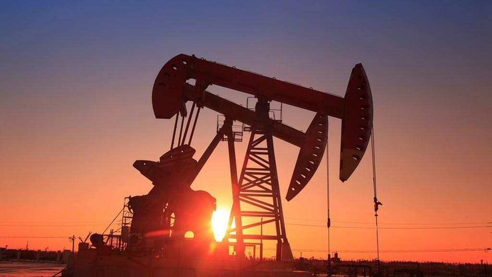 Giá dầu hiện đã giảm khoảng 6% kể từ mức đỉnh của 4 năm thiết lập hồi đầu tháng này.