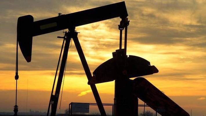 Đợt tăng giá đầu tháng 10 của dầu thô chủ yếu là do nỗi lo về tác động của lệnh trừng phạt Mỹ đối với Iran.