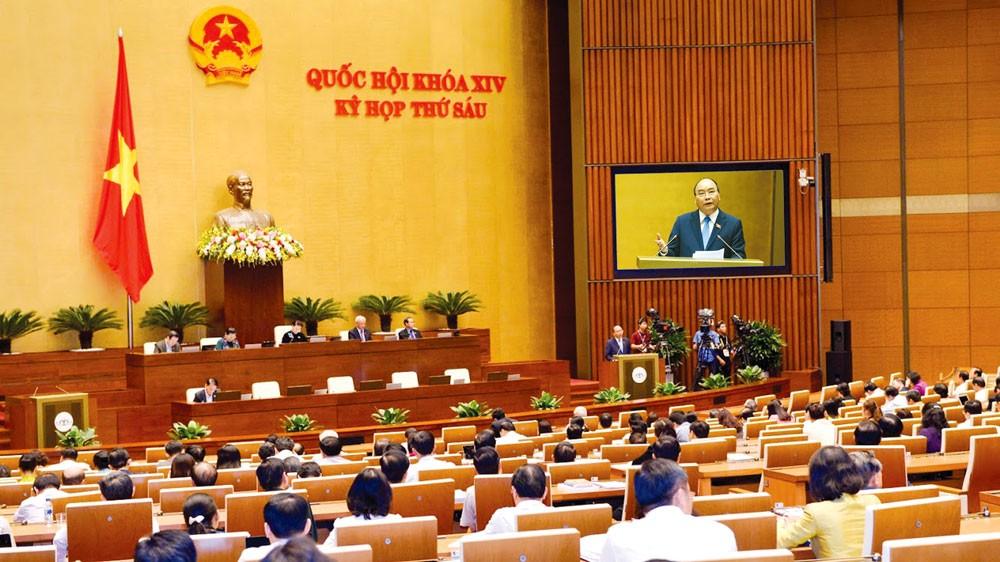 Thủ tướng Chính phủ Nguyễn Xuân Phúc phát biểu tại Quốc hội ngày 1/11/2018. Ảnh: Quang Khánh