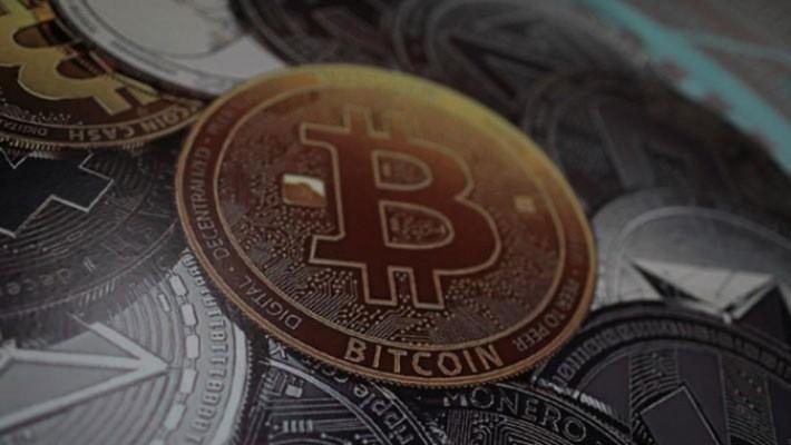 Giá Bitcoin tăng 1.300% trong năm 2017, rồi lại giảm 70% từ đầu năm 2018 đến nay - Ảnh: Reuters.