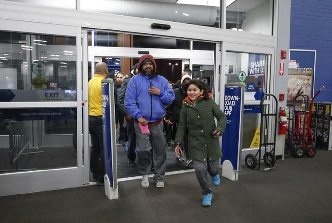 Lễ hội mua sắm Black Friday tại Mỹ bắt đầu - ảnh 9