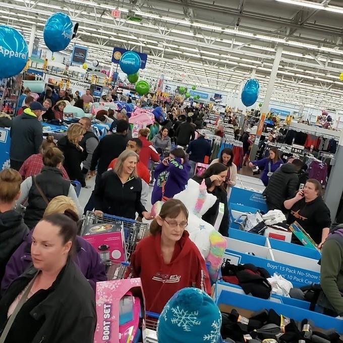 Lễ hội mua sắm Black Friday tại Mỹ bắt đầu - ảnh 13