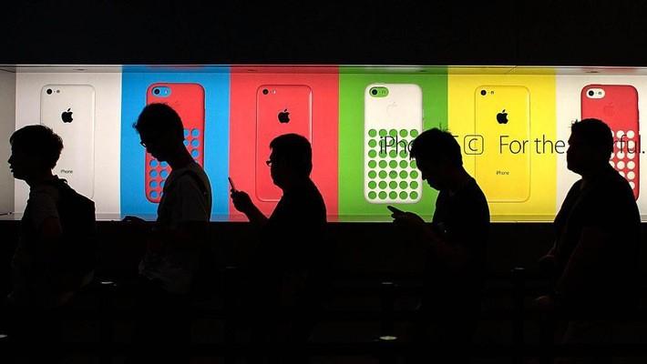 Di dời chuỗi cung ứng toàn cầu phức tạp của Apple từ châu Á về Mỹ là việc vô cùng khó và gần như bất khả thi.
