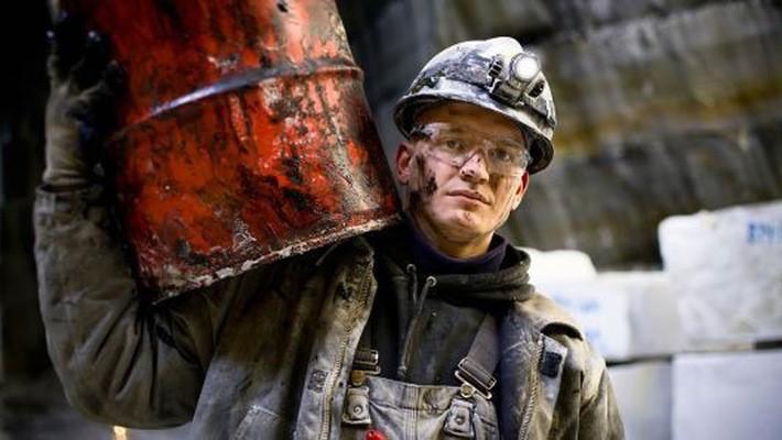 Áp lực giảm vẫn đang đè nặng lên giá dầu thế giới, dù OPEC có thể giảm sản lượng - Ảnh: Getty/CNBC.