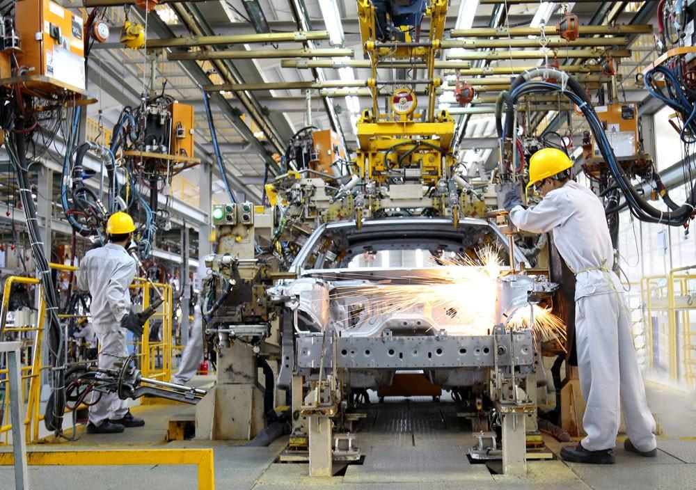Thúc đẩy và phát huy vai trò của khu vực kinh tế tư nhân là một trong hai động lực tăng trưởng mới của đất nước. Ảnh: Lê Tiên