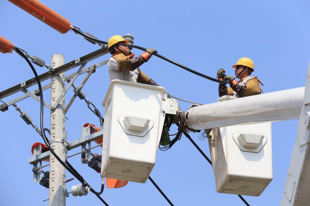 Từ năm 2019, ngành điện TP.HCM sẽ không thực hiện việc cắt điện để sửa chữa, bảo trì lưới điện. Ảnh: Chi Lan