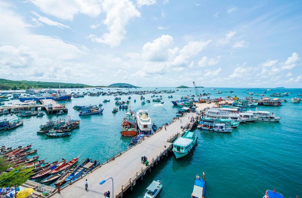 Với việc xây dựng môi trường đầu tư hấp dẫn, thông thoáng, minh bạch, 3 đặc khu được kỳ vọng sẽ tạo thành các cực phát triển kinh tế - xã hội mới của Việt Nam. Ảnh: Lâm Thanh Sơn