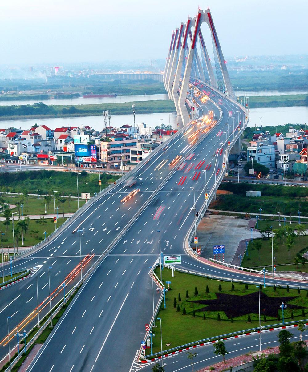 Cầu Nhật Tân có ý nghĩa quan trọng trong chiến lược phát triển kinh tế - xã hội của Thủ đô. Ảnh: Lê Tiên