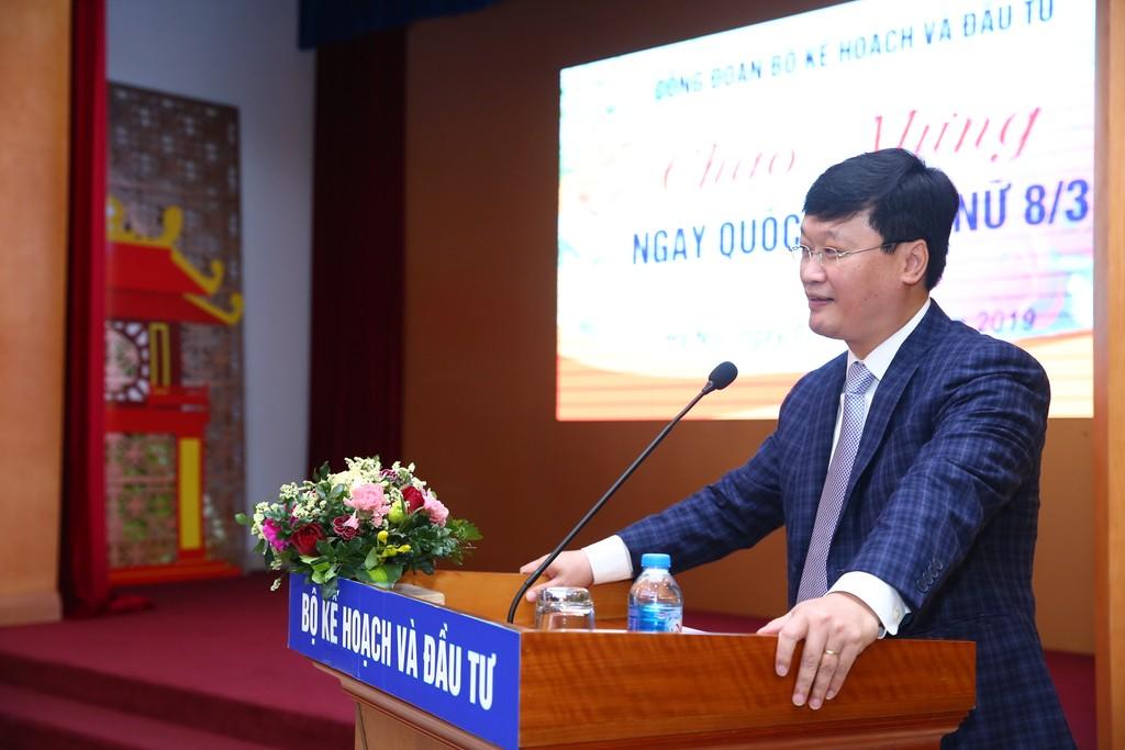Thứ trưởng Bộ KH&ĐT Nguyễn Đức Trung phát biểu tại buổi lễ. Ảnh: Lê Tiên