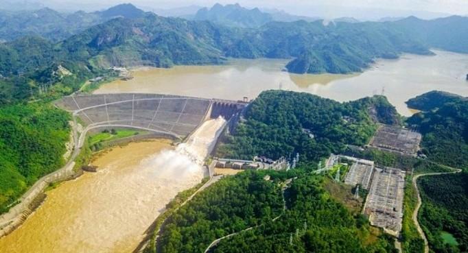Miễn thu tiền cấp quyền khai thác khoáng sản và tài nguyên nước để tháo gỡ khó khăn, hỗ trợ các doanh nghiệp