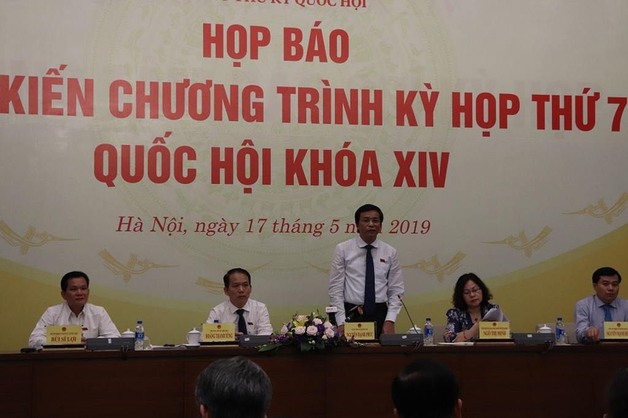 Tổng Thư ký Quốc hội, Chủ nhiệm Văn phòng Quốc hội Nguyễn Hạnh Phúc chủ trì buổi họp báo