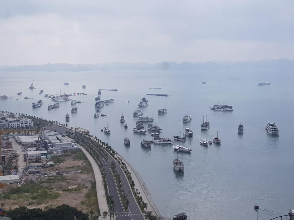 Tuyến đường ven biển từ Quảng Ninh đến Nghệ An được đầu tư đồng bộ sẽ có tác động lan tỏa, thúc đẩy liên kết vùng. Ảnh: Minh Thư