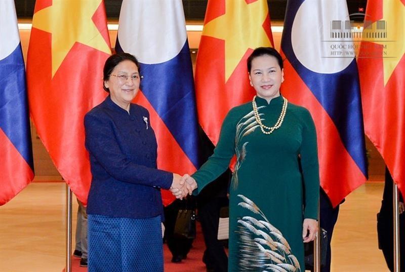 Chủ tịch Quốc hội Nguyễn Thị Kim Ngân và Chủ tịch Quốc hội CHDCND Lào Pany Yathotu. Ảnh: Cổng TTĐT Quốc hội