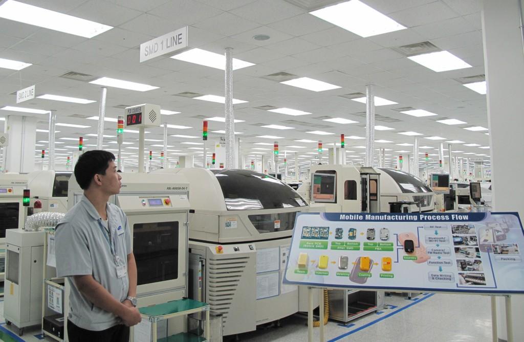 Thủ tướng Nguyễn Xuân Phúc nhấn mạnh yêu cầu xây dựng Bắc Ninh thành trung tâm sản xuất điện tử của Châu Á. Ảnh Tường Lâm