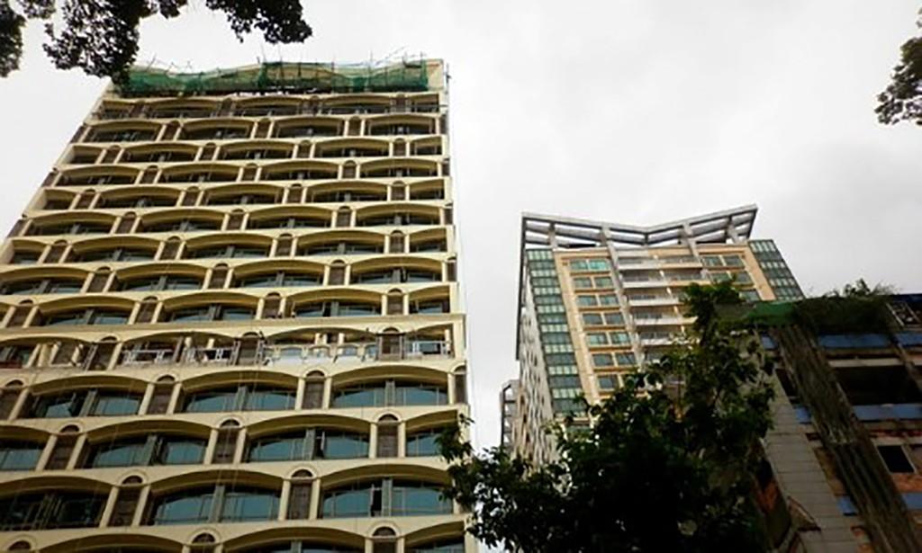Dự án New Pearl đình đám một thời của Phương Trang được chuyển nhượng lại cho Tập đoàn Vạn Thịnh Phát vào năm 2013 khi mới xây đến tầng thứ 2.