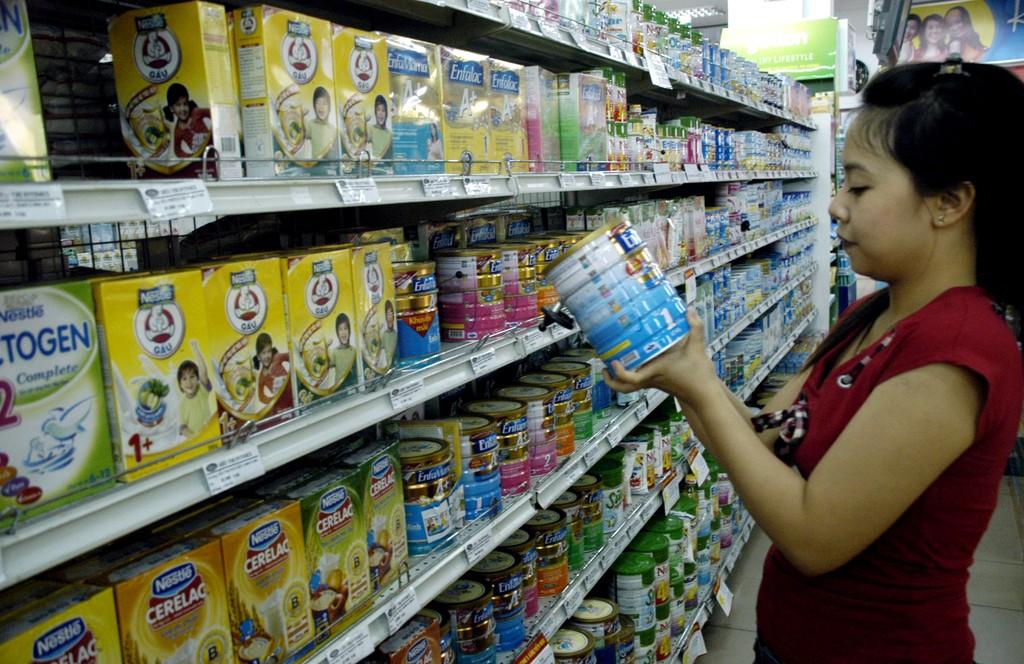 Quy định mới về giá bán lẻ sữa trẻ em